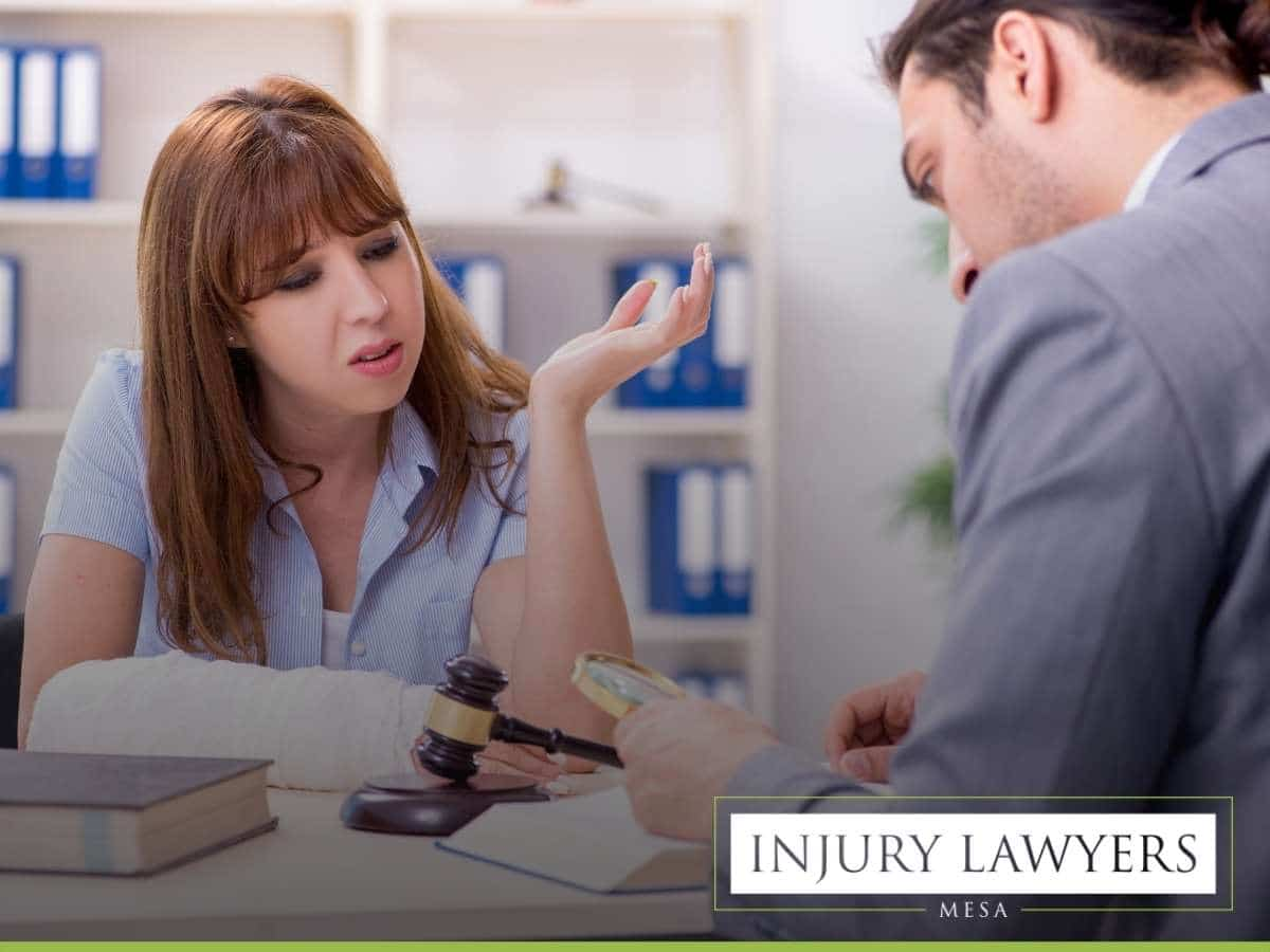 Skilled Personal Injury Attorney Negotiating a Settlement In Mesa, AZ